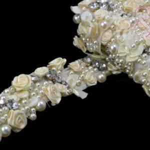 tira flores y cristal