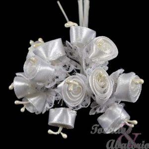 Florecillas de raso y encaje