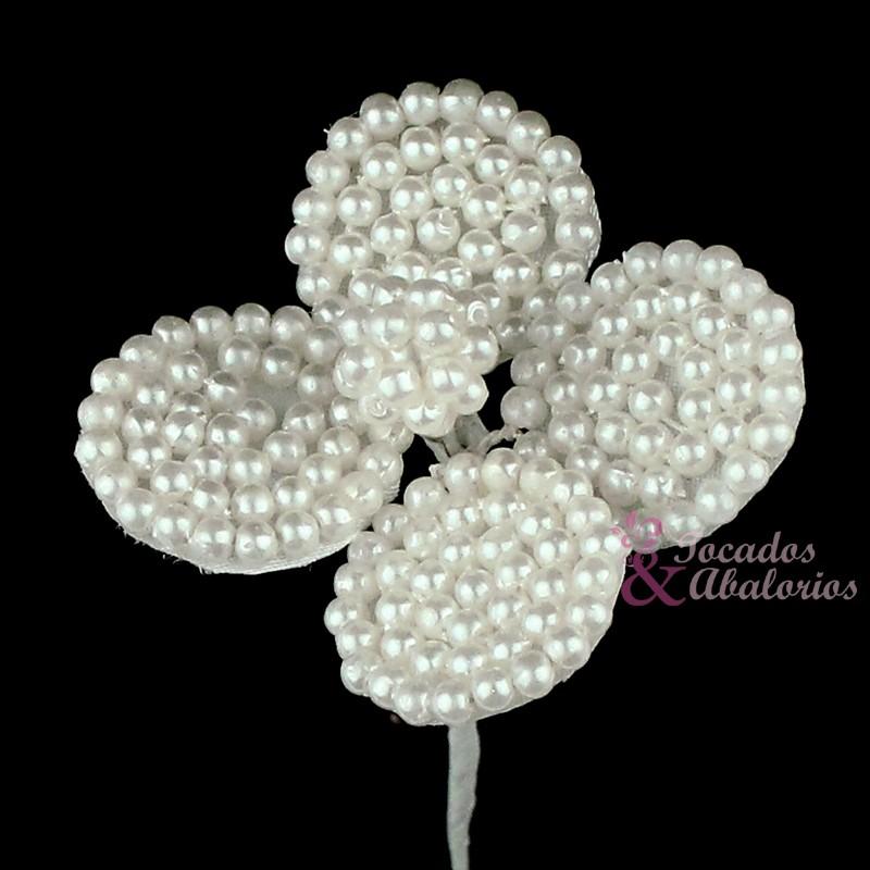 Flor trebol perla