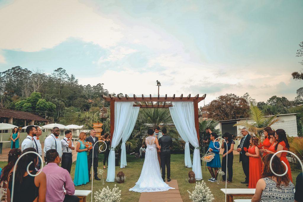 Celebración de boda en la naturaleza