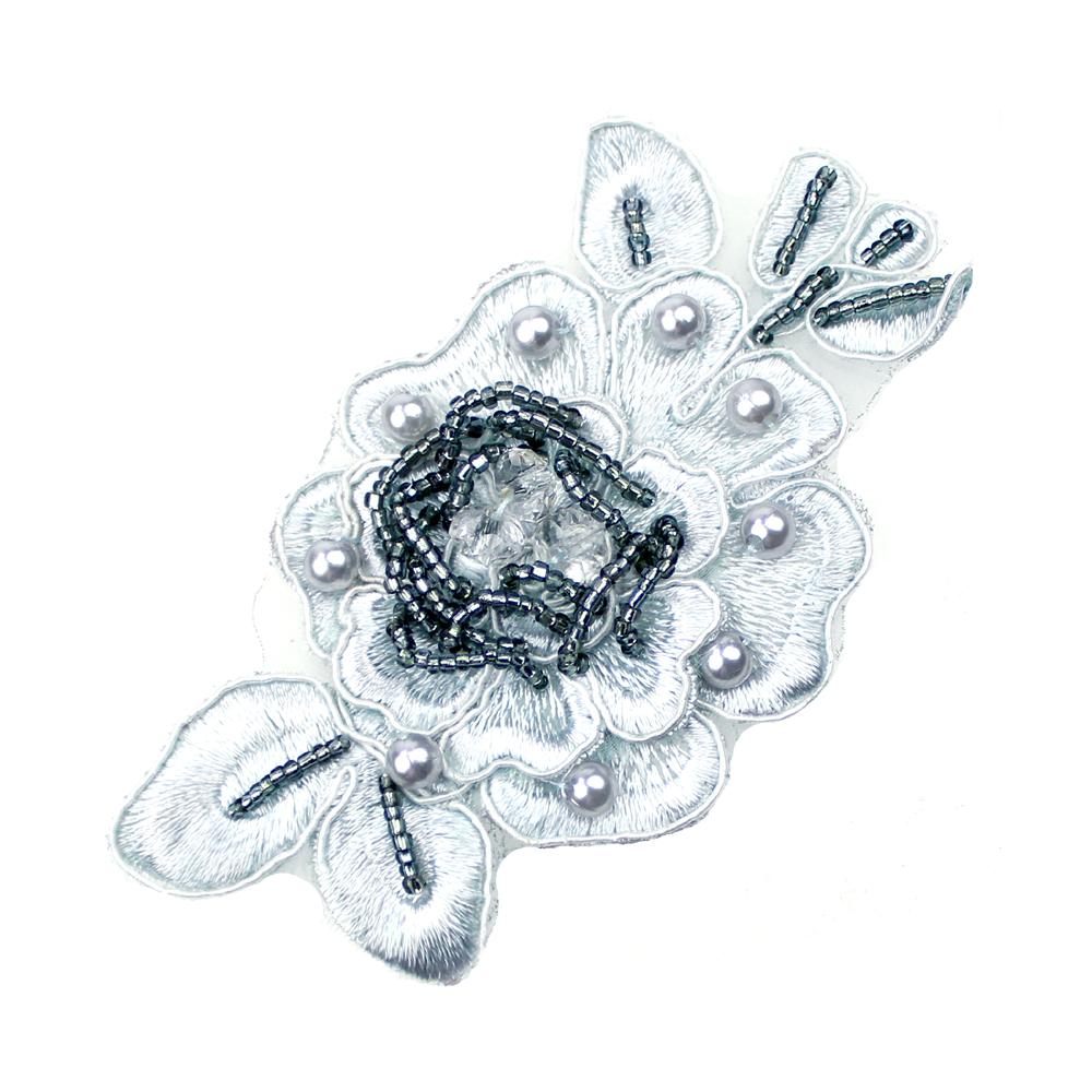 Aplicación flor perla rocalla gris
