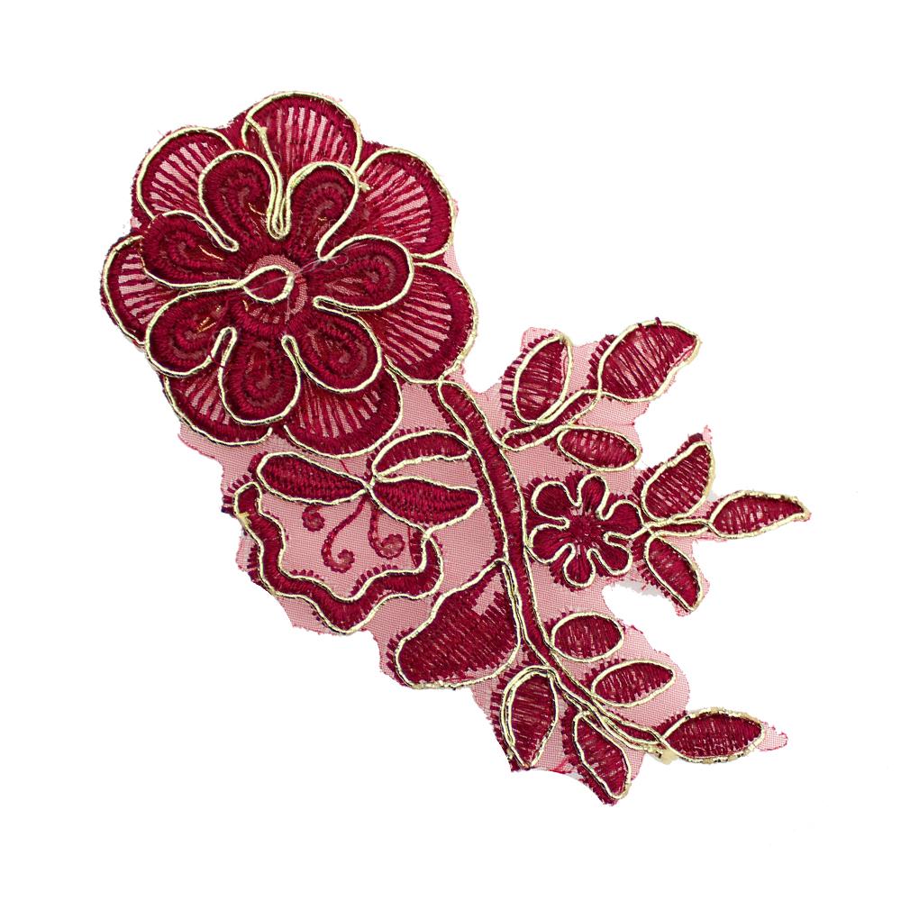 Aplicación lamé bordada flor con tallo granate y oro