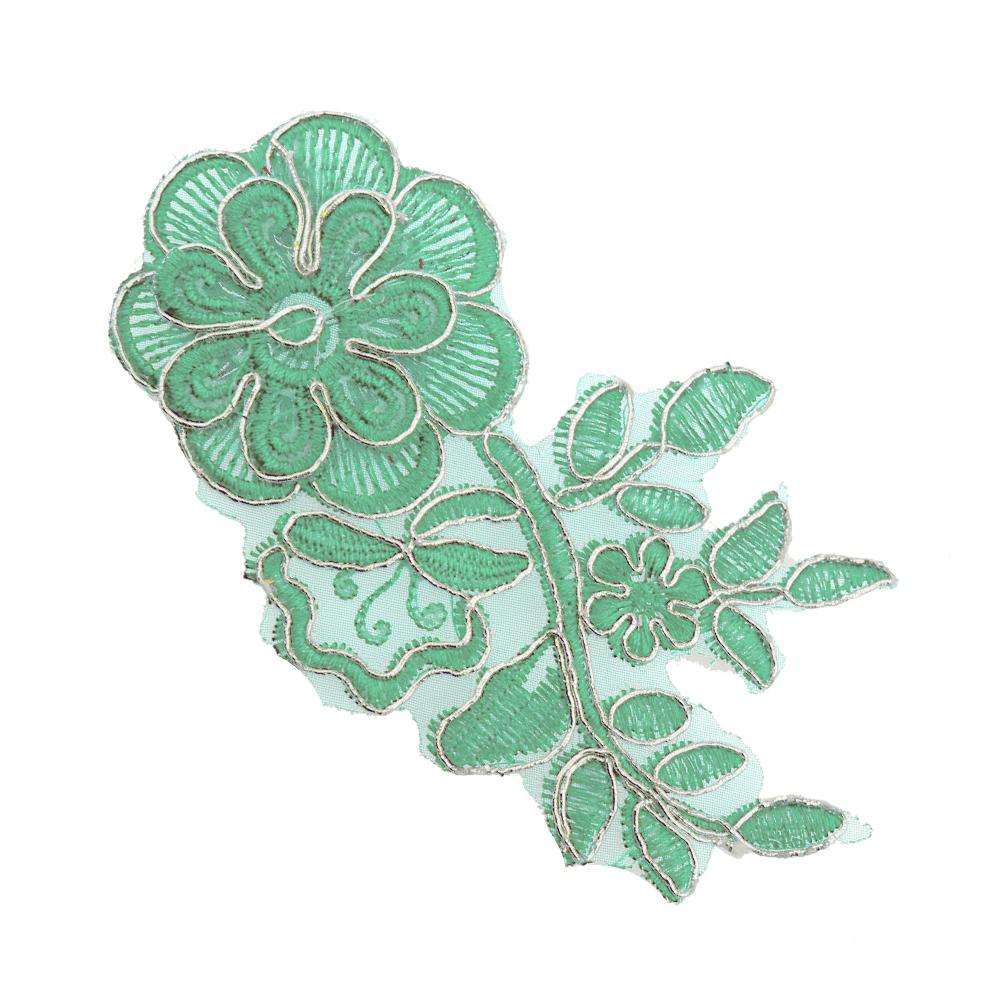 Aplicación lamé bordada flor con tallo plata y verde agua