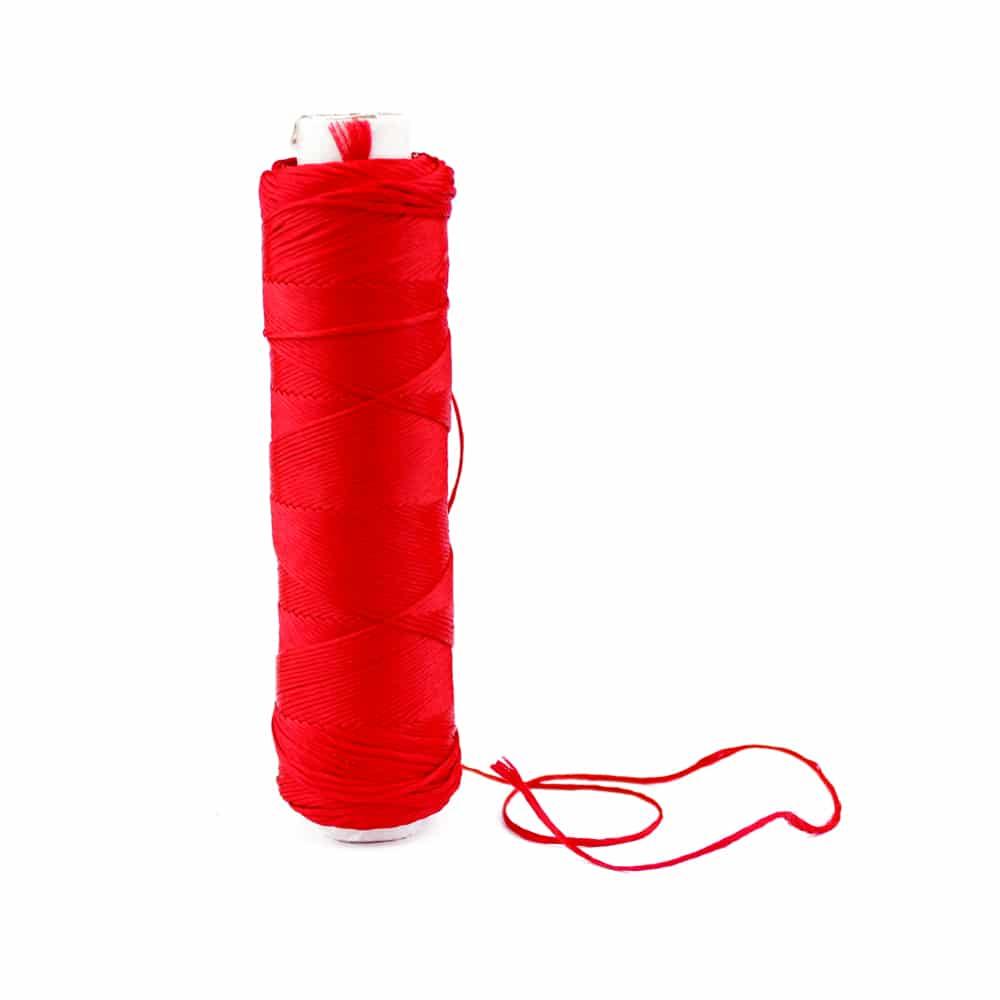 bobina hilo de seda rojo