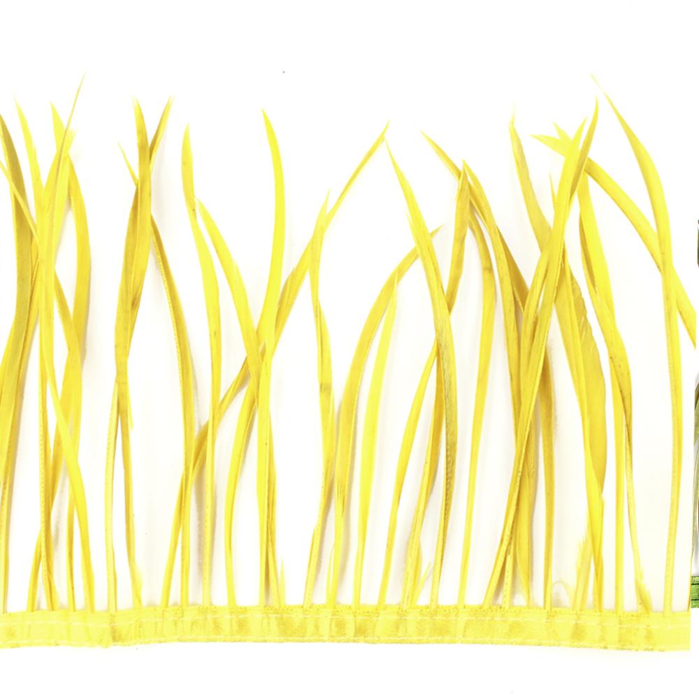 Fleco de plumas de oca amarillo