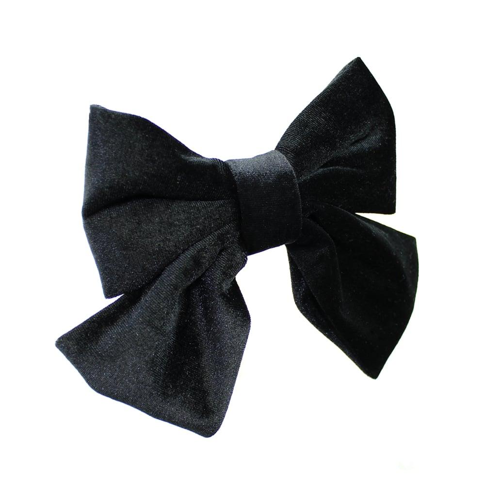Lazo de terciopelo negro