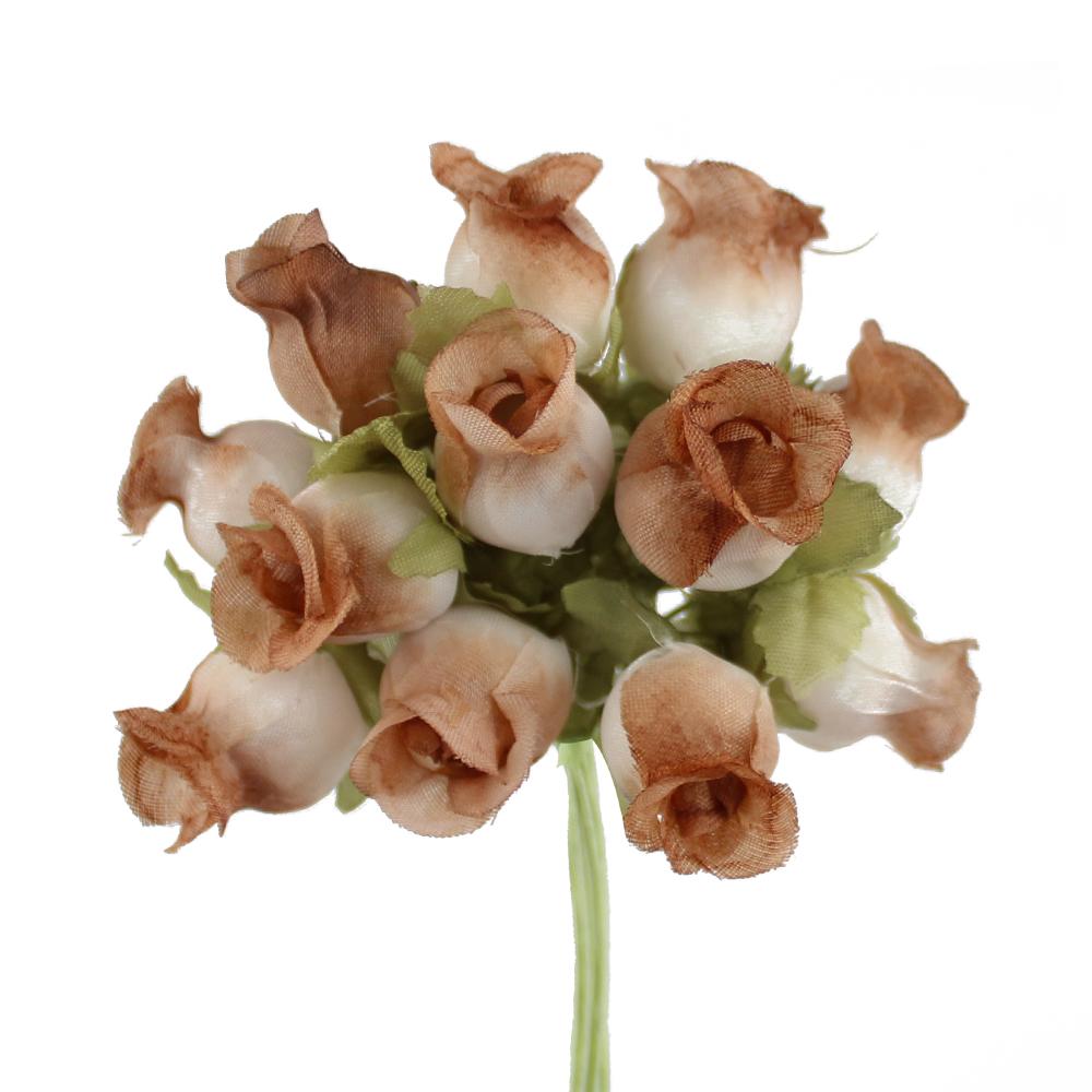 Ramillete capullos de rosas tierra
