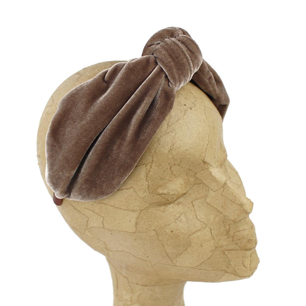 Turbante diadema terciopelo marrón claro