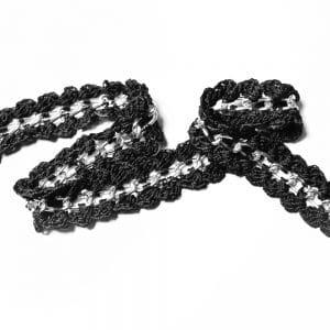 cadena con ganchillo negro