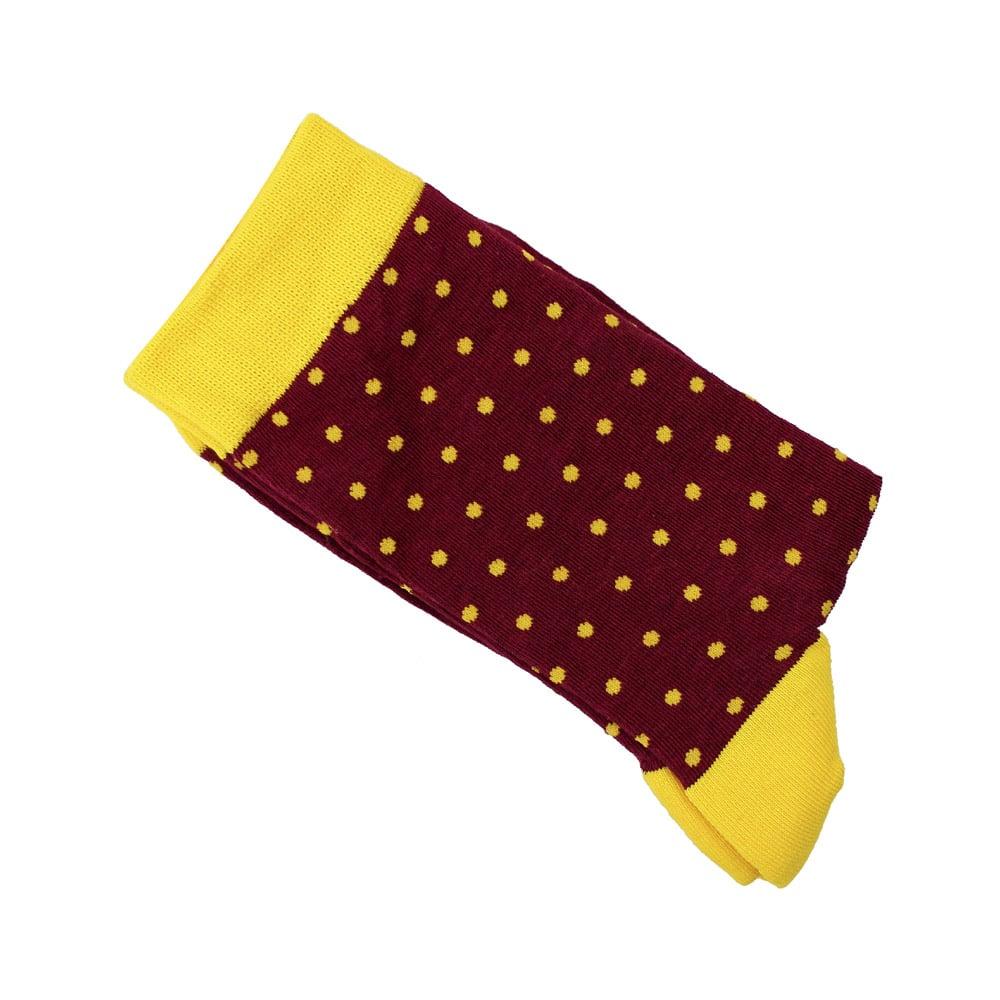 calcetines de lunares rojo oscuro