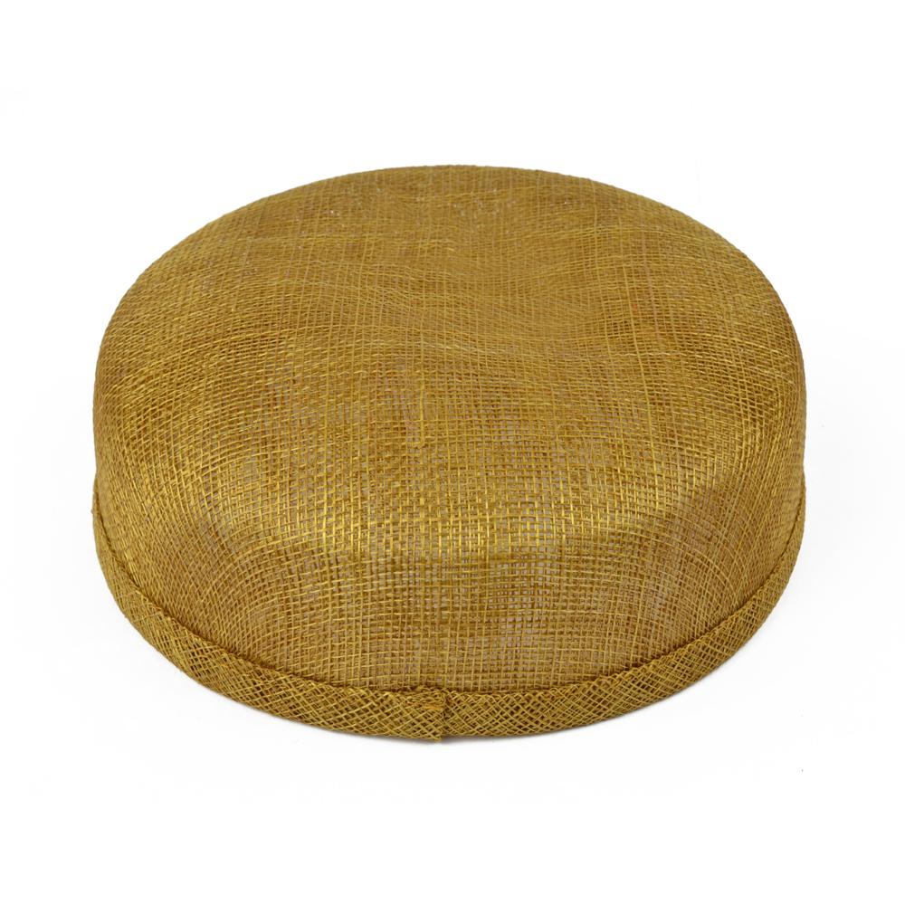 Casquete sinamay 18x16x5 cm dorado